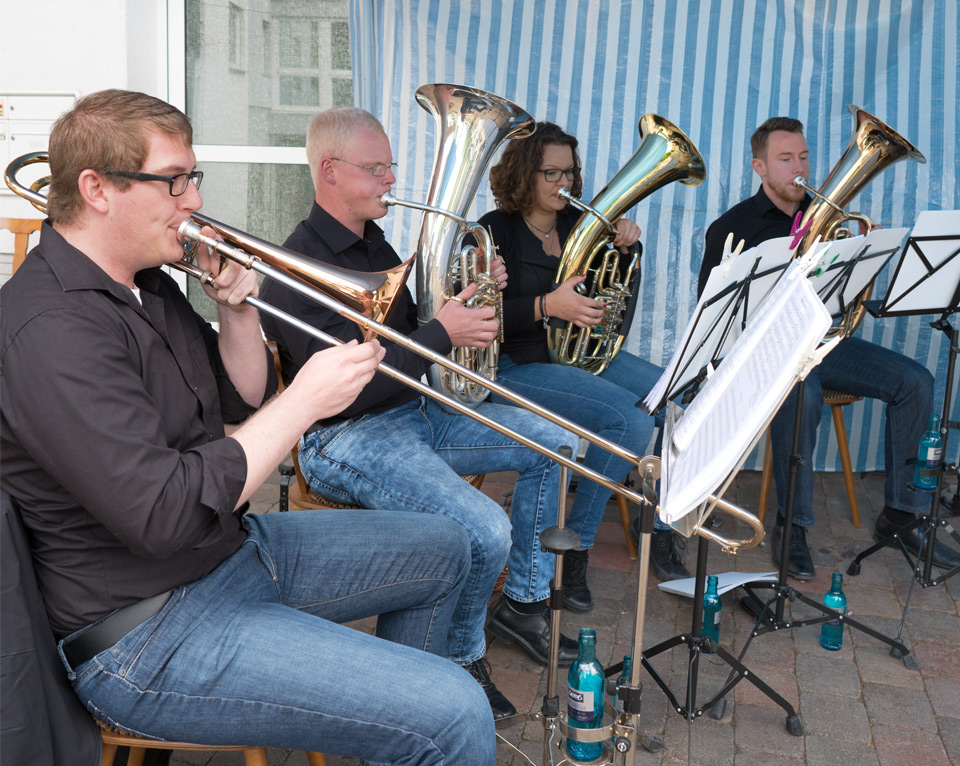 """Sommerfest 2016 Die Musiker der Blaskapelle """"Holzlos Glücklich"""""""
