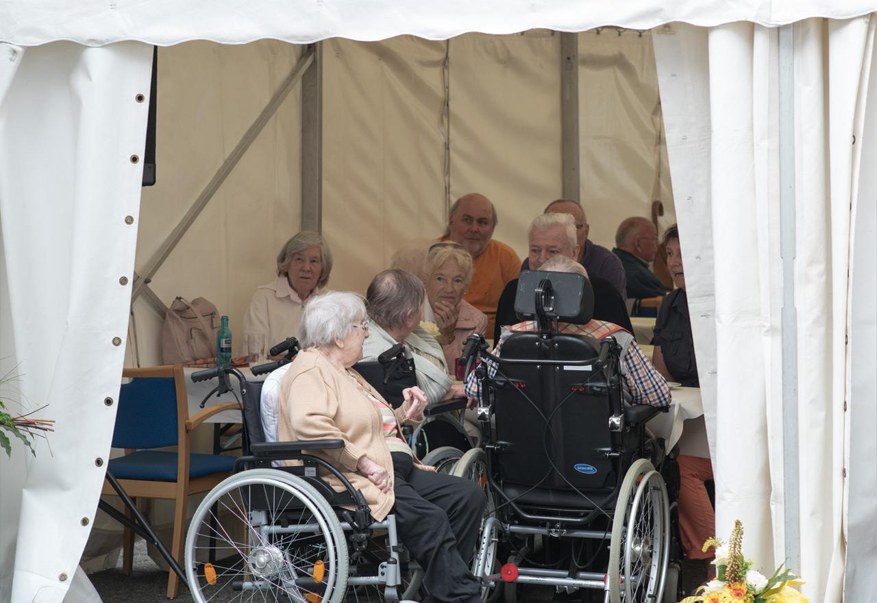 Sommerfest 2016 geselliges Beisammensein im Zelt