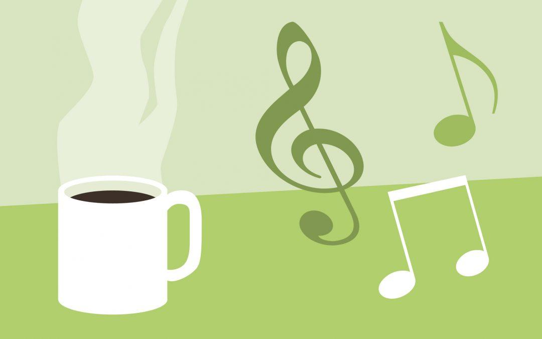 Musikstunde mit Kaffeetrinken am späten Nachmittag im Speiseraum, Seniorenheim Löhlbacher Hof